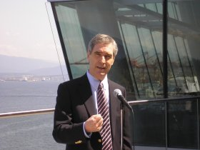 Ignatieff speaks to reporters